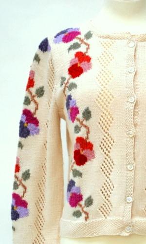Pansy chain Cardigan detail by Sasha Kagan, knitting kit and garment available at www.sashakagan.co.uk