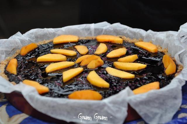 Cheesecake alla ricotta con more di gelso e pesche   Ricetta