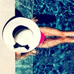 adorable! from the kate spade blog.Pools Time, Hampton Style, Summer Hats, Summer Day, Summer Lovin, Summertime, Floppy Hats, Summer Photography, Kate Spade