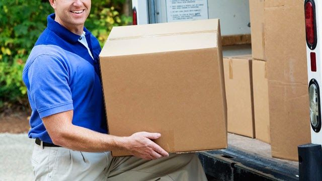 Not sure if you want to hire a #Mover or move yourself?   Read these tips to help you decide:   #NewHome #MoveYourself