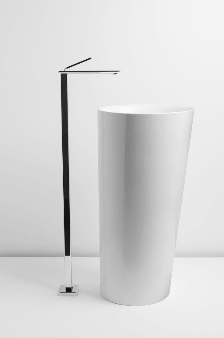 IL, REP DESIGN STUDIO, PHOTO ANTONIO RASULO 2013 #Valdama #bathroom #ceramics #washbasin #style #project #interiordesign