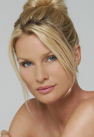 Nicollette Sheridan-Desperate Housewives
