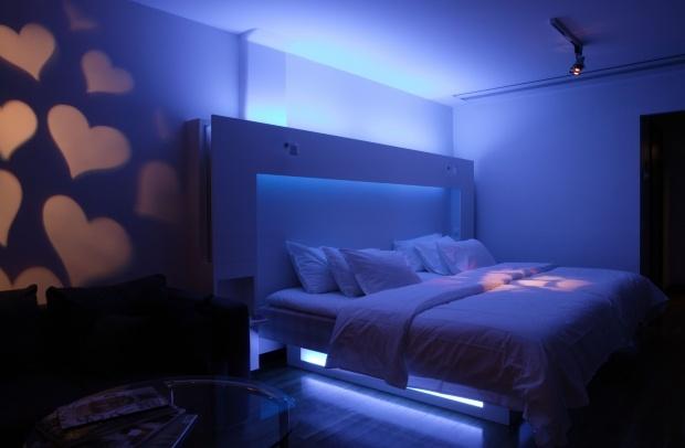 Iluminat cu LED. http://moodboards.ro/corpuri-de-iluminat-la-moda-trendurile-2012-2013-in-iluminat/