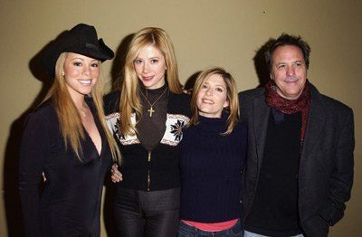 Mira Sorvino, David Anspaugh, Mariah Carey and Melora Walters at event of Atrapadas por la mafia (2002)