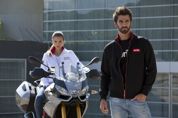 A collection inspired by #sports, active #lifestyles and the #design of the brand's inimitable #bikes. A world of #passion expressed in #garments with clean, sporty lines. Casual garments with prints, embroidery and coloured piping for a didtinctly, modern, sporty #look. More infos at your #Aprilia dealer!