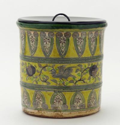 ceramics-poetic wanderlust ~tracy porter xx. ... via- belacqui:  Eiraku ware tea ceremony water jar (19th century)