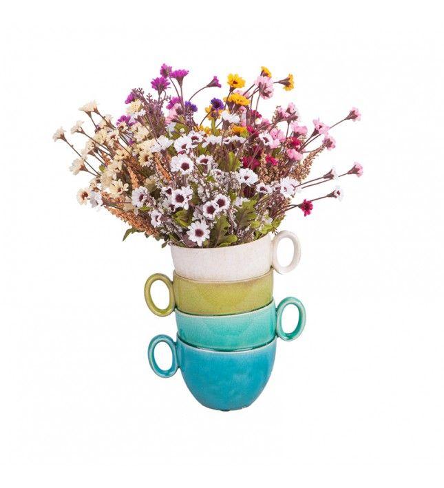 Evinize sıcaklık katmanın yolu ufak ve samimi dokunuşlardan geçiyor. İster canlı, ister yapma çiçekler için kullanın bu üst üste yığılmış fincanların çiçeklerinize kattığı sıcaklığa bayılacaksınız!