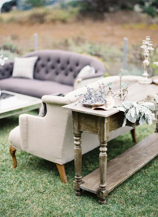 Vintage lounge furniture // i love putting indoor furniture outside (temporarily, of course)
