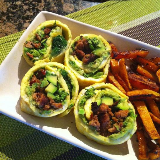 Whole 30 / Paleo Breakfast Sushi. YUM! What a great idea!!! Would be yummy for lunch too!