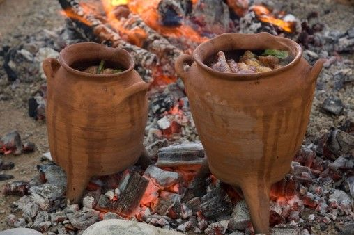 """An anthropological approach to ancient culinary techniques """"Archaeology Online"""