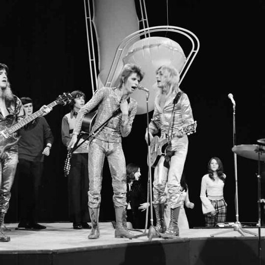David Bowie and Mick Ronson. Top of the Pops.