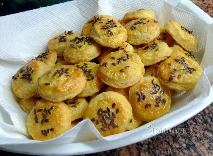 Křehké sýrové koláčky • bonvivani.sk
