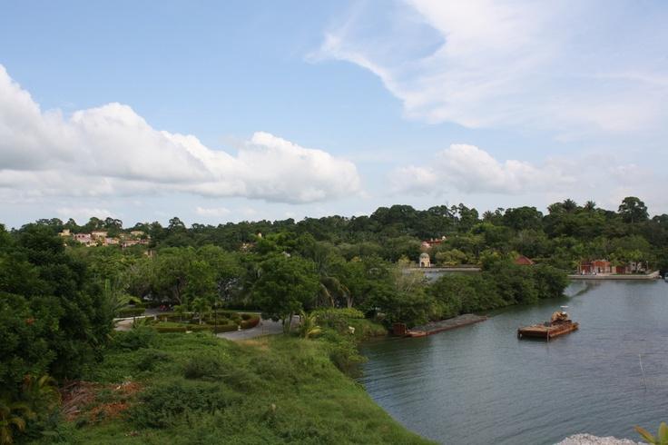 Amatique Bay, Izabal, Guatemala - Photo by: Stacy