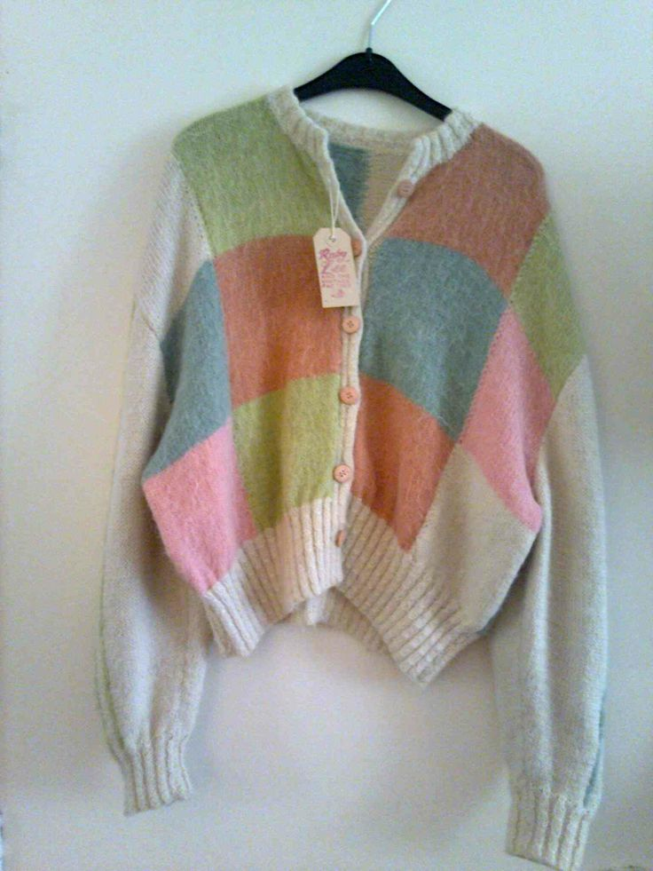 Vintage woolen and mohair cardigan Ninties boxy style €24
