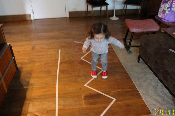 Jogo de movimento para crianças pequenas - Gabi pulando