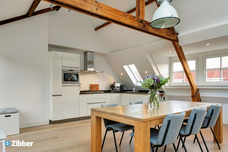 Trendy loft with wooden beamed l Zibber