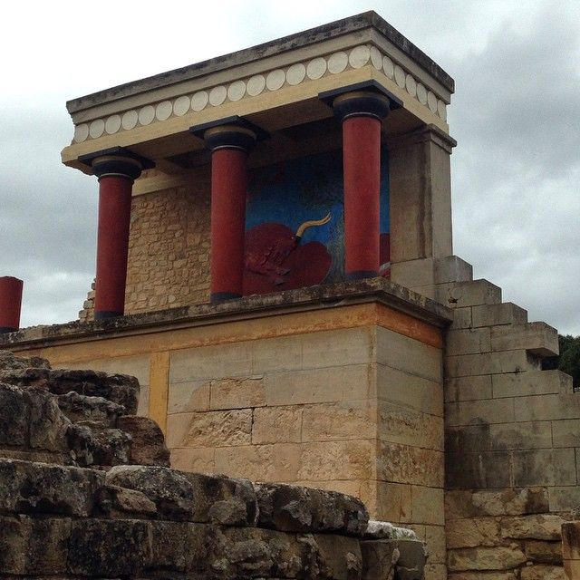 Don't waste the opportunity to visit the Palace of #Knossos! #History #Culture #Crete Photo credits: @sharonbravi