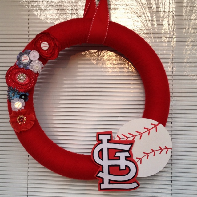 St. Louis Cardinals Wreath: Cardinals Wreaths, Oil Combinations, Red Onions, Onions Salad, St. Louis Cardinals, Orange Peel, Small Red, Medium Orange, Lemon Juice