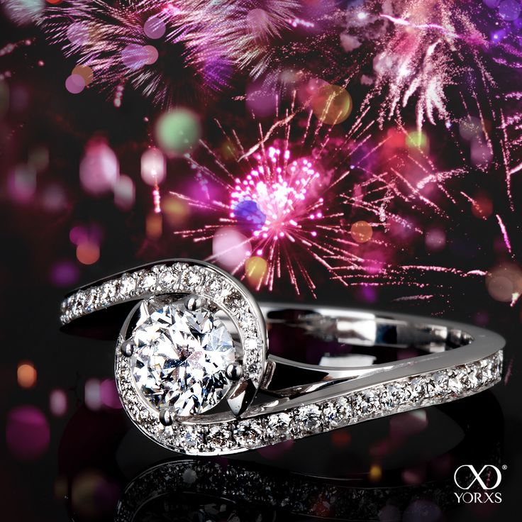 Love sparkles in the air! This beautiful diamond ring was given by a client to his beloved at NYE! #yorxs #silvester #diamant #diamantring #verlobungsring #paveering #sonderanfertigung