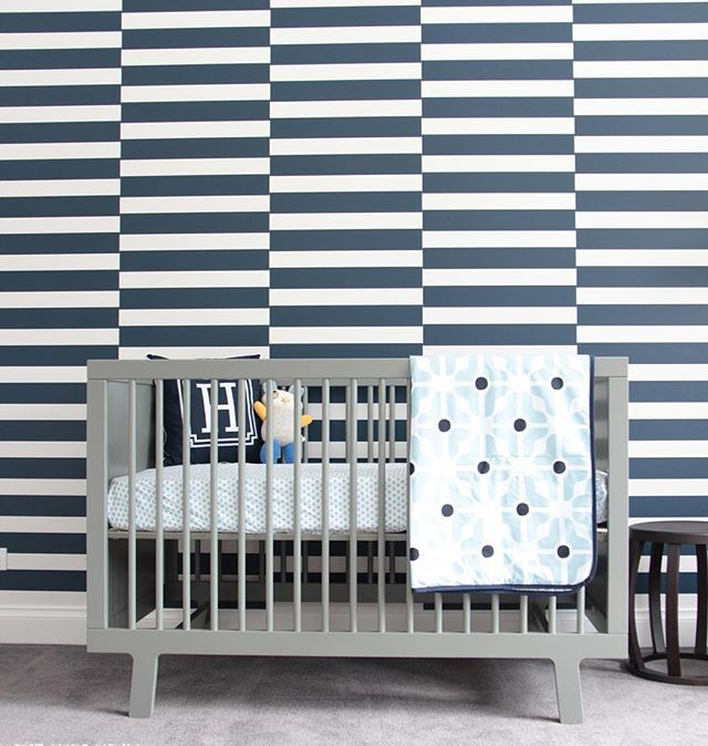 Sometimes, you just need awesome wallpaper! (📷: Louise Treacy for #beautifulbabiesrooms)