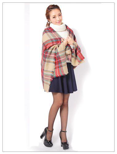 チェックのショーツが落ち着いた感じを演出してくれます。お姉ギャル系タイプのコーデ♡参考にしたいスタイル・ファッション