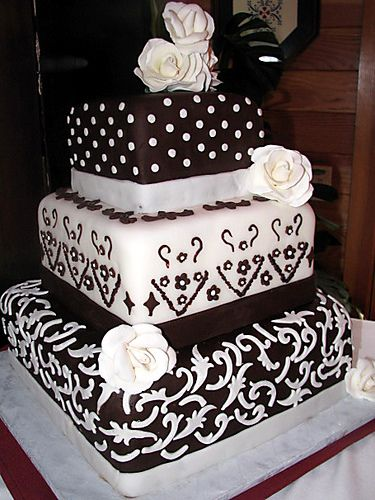 252 best images about Wedding Cake Decorating on Pinterest ...