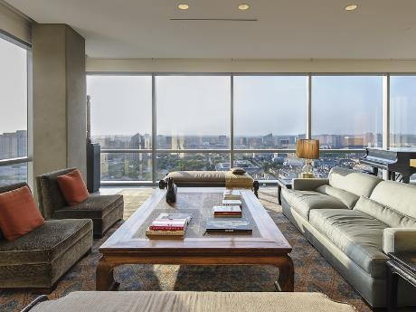 Downtown Views From The Living Room Amazing Condo 1717 Arts Plaza 1915 Dallas 75201 Modern Loftsmonday Morningluxury Livingapartment