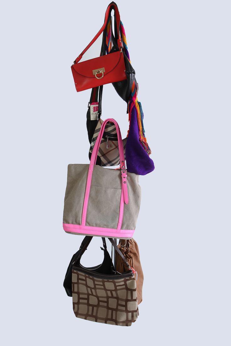 El bolso correcto hace que tu atuendo sea perfecto, encuentra el ideal en elbaulcolombia  http://elbaul.co/Ropa/12/Accesorios