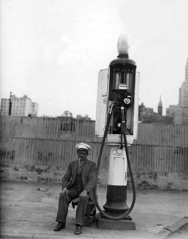 Surtidor de Nafta (1936), Buenos Aires, Argentina / foto AGN
