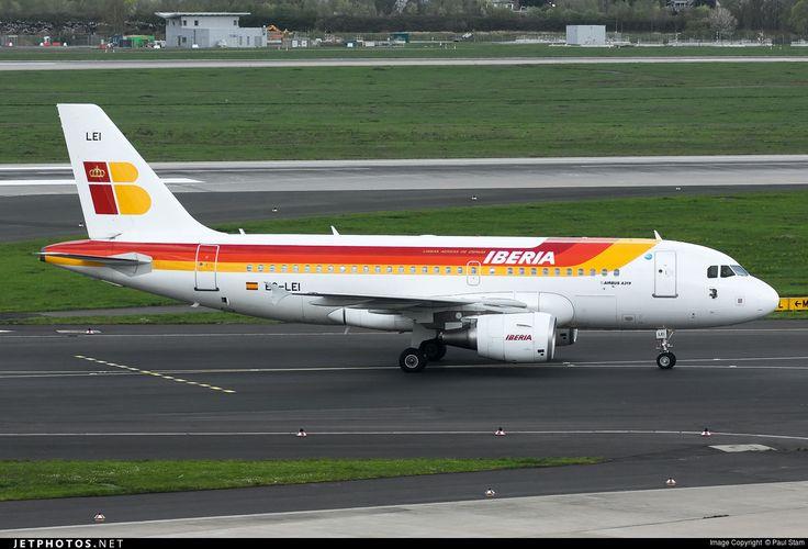 Airbus A319-111, Iberia, EC-LEI, cn 3744, 141 passengers, first flight 10.12.2008, Iberia delivered 30.12.2008. Active, for example 15.6.2016 flight La Coruna - Madrid. Foto: Dusseldorf, Germany, 17.4.2016.