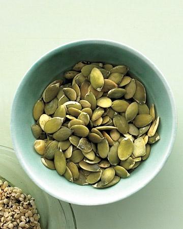 Roasted Pumpkin Seeds | clean eating | Pinterest