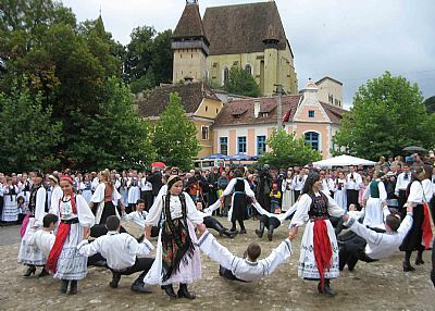 Another dance from Biertan