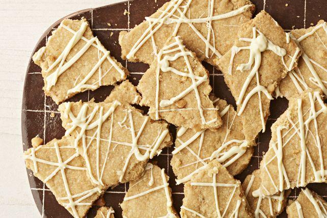 Biscuits croquants au chocolat blanc et aux noix de macadamia