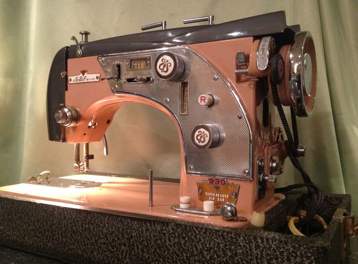 79 best old sewing machines images on pinterest old sewing sbf cant read the full name of this cool beast i love fandeluxe Choice Image
