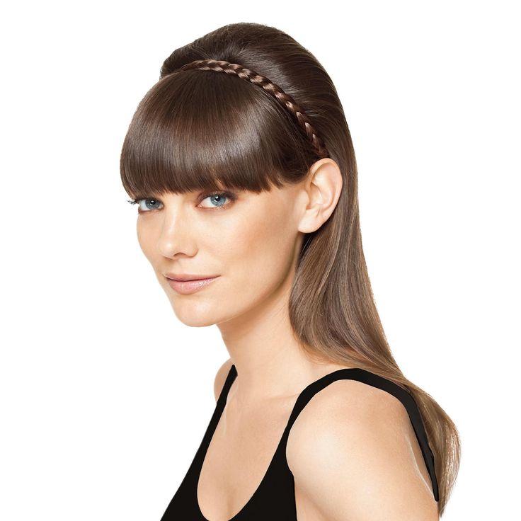 Crea acconciature sofisticate con French Braidband, la fascia a treccia per capelli di Hairdo. Basta applicarla come una semplice fascia e crea l'effetto di una pettinatura elegante ed elaborata. Un semplice gesto per un look perfetto.