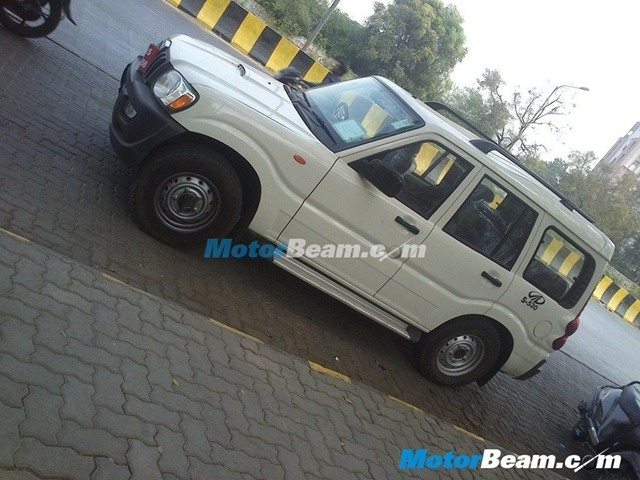 Mahindra Scorpio Automatic Model To Re-launch– Spied Testing