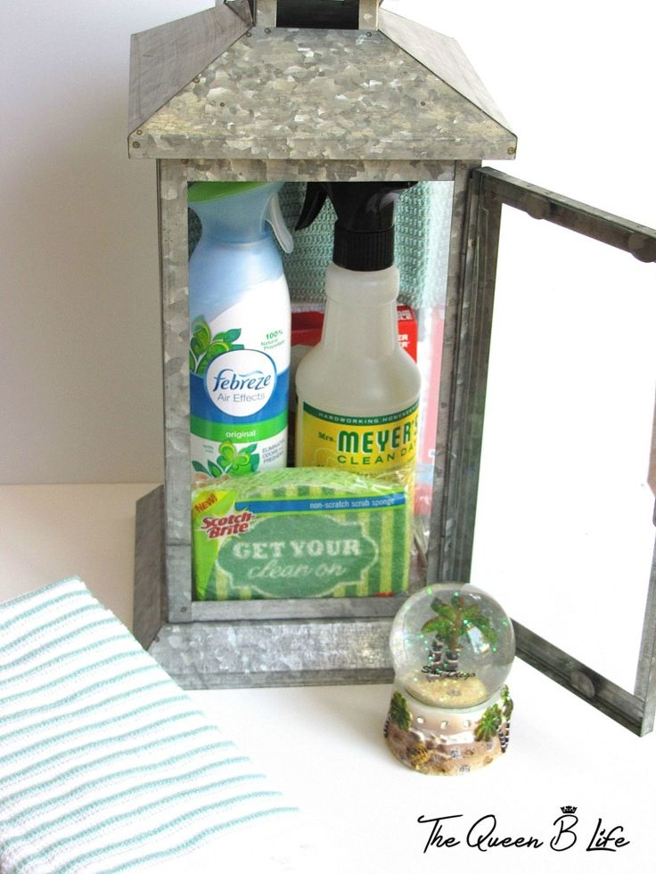 Such a unique idea!  A simple and inexpensive DIY housewarming gift any new home owner would love to receive!