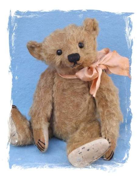 Cozzie Baggot Forget me not bear by By Joy Wiltshire | Bear Pile