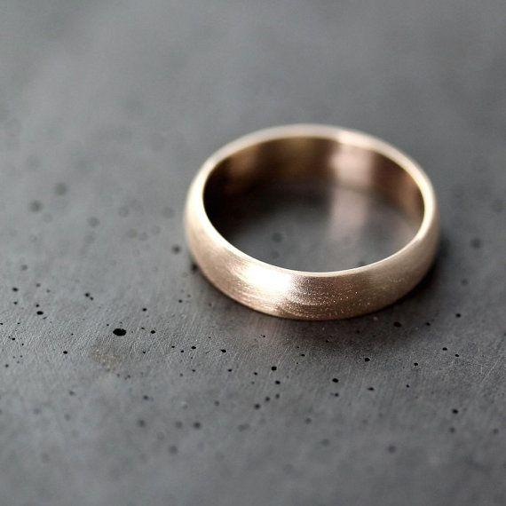 Mannen gouden bruiloft Band gerecycleerd 10 k geel door TheSlyFox