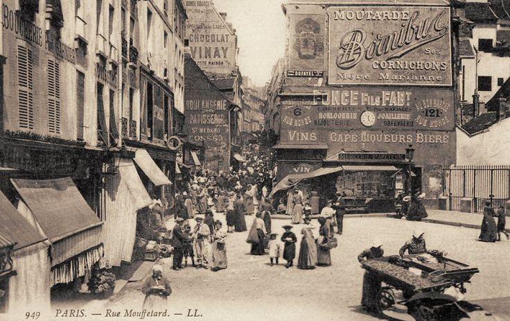 rue Mouffetard - Paris 5e/6e La foule de la rue Mouffetard vers 1900 (ancienne carte postale)