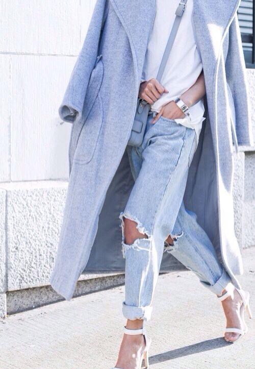 Boyfriend jeans oversized grey coat modern minimal winter outfit