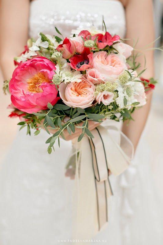 букет невесты пионы
