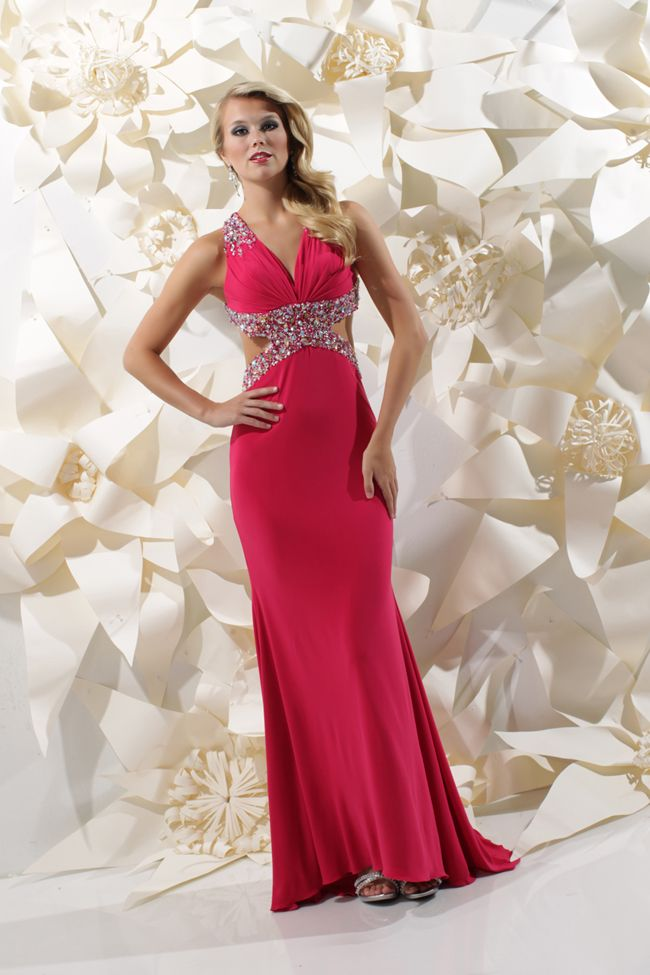 The 42 best SPARKLE || PROM || DRESSES & GOWNS images on Pinterest ...