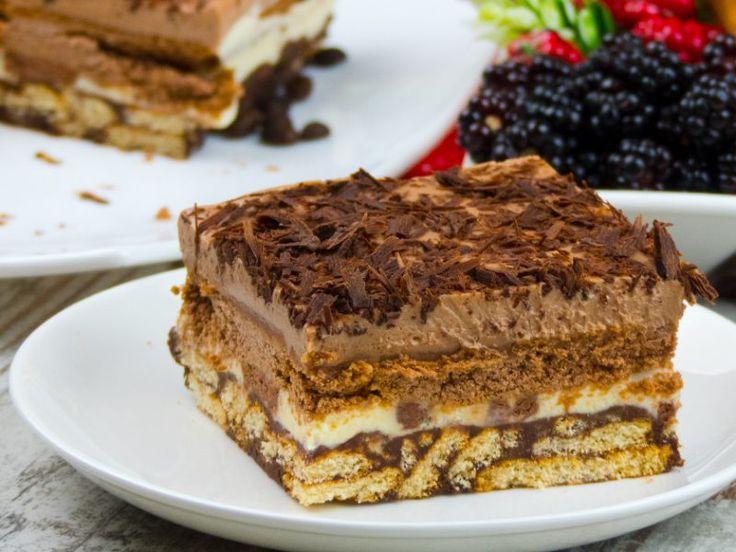 Prăjitură rapidă fără coacere din biscuiți – un desert excelent de zile mari!