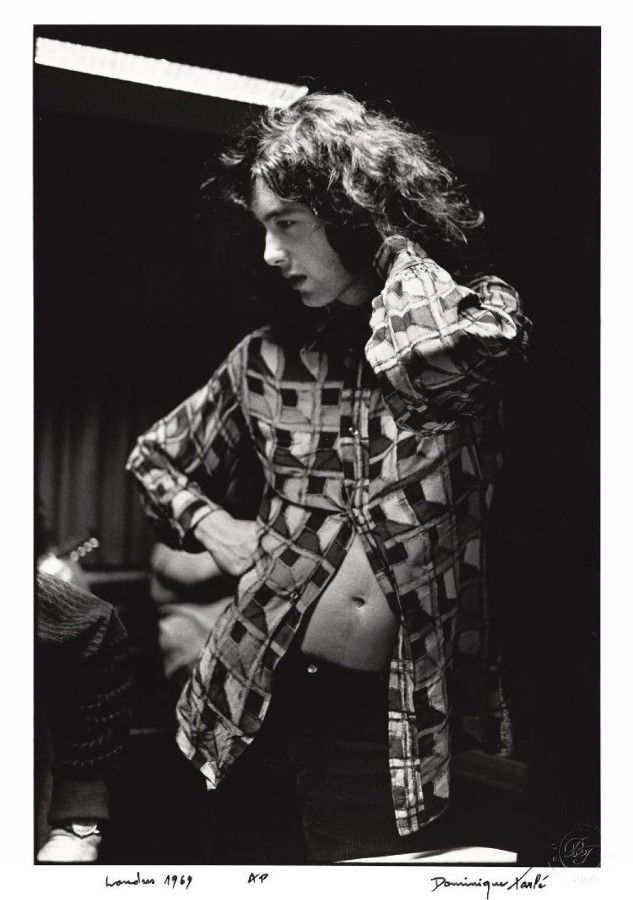 steroge:  Jimmy Page during recording sessions for Led Zeppelin II at Olympic Studios in Barnes, London, April 1969  Photo by Dominique Tarlé