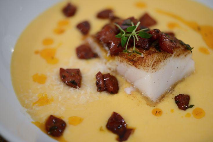 Søtpotet- og blomkålsuppe med pannestekt torsk | lars spiser – oppskrifter & matglede