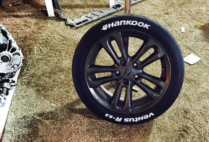 Marcador blanco en Hankook RS3!
