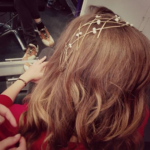 Decidir el peinado para tu boda no es tarea fácil...me encanta acompañar a las novias y ayudarlas en la elección de la diadema o tocado que las enamore...😍💕💞