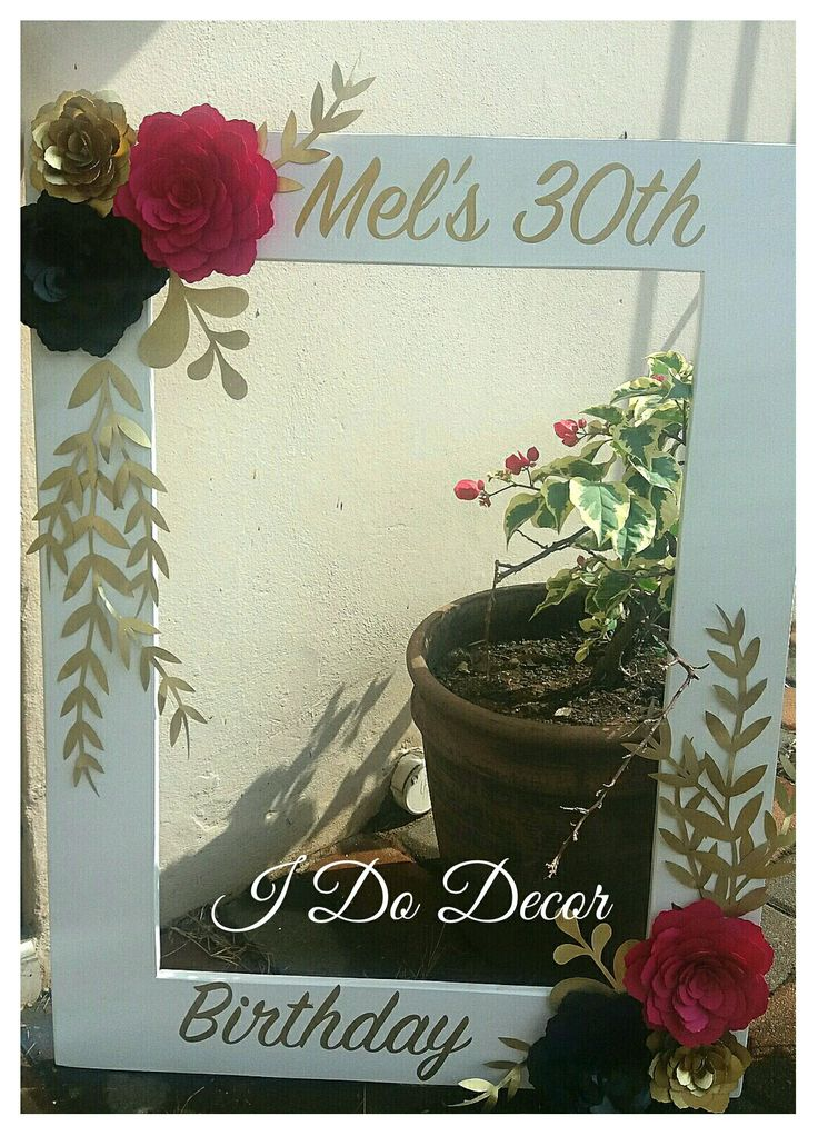 Photoprop frame, parties, durban paper flowers. Party decor