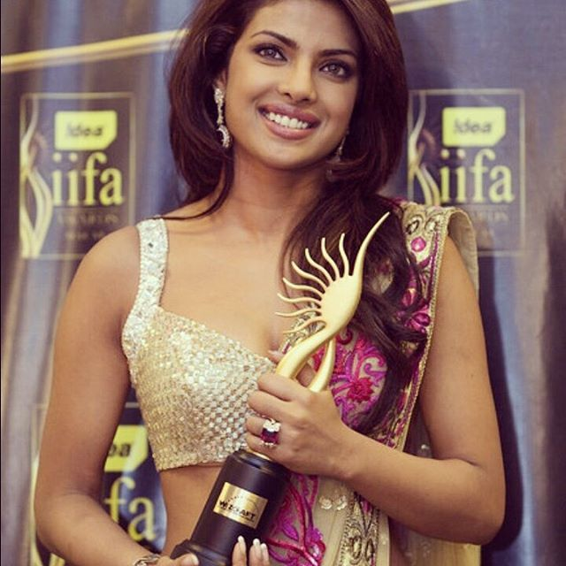 Miss World 2000 Priyanka Chopra, the first Indian actor to be cast as a lead role in the lead role on American TV. #Quantico #bollywood #hollywood #indian #missworld #priyankachopra #actor #america #fashion #fashionstatement #style #stylish #design #beautiful